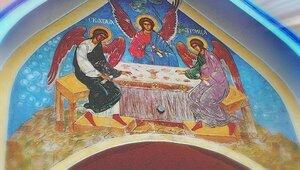 Христиане всего мира сегодня празднуют День Святой Троицы