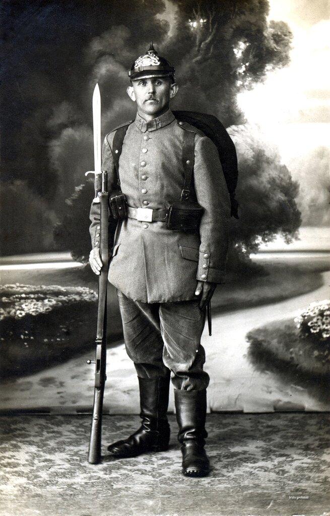 Bavarian infanteriest from Landsturm Infanterie Ersatz Bataillon 'Passau' (I. B. 17), circa June 1917