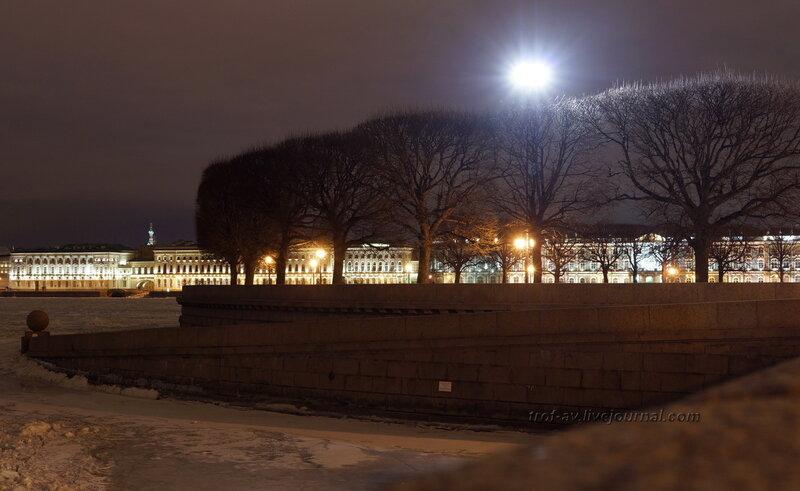 Набережная у Биржевой площади, Санкт-Петербург