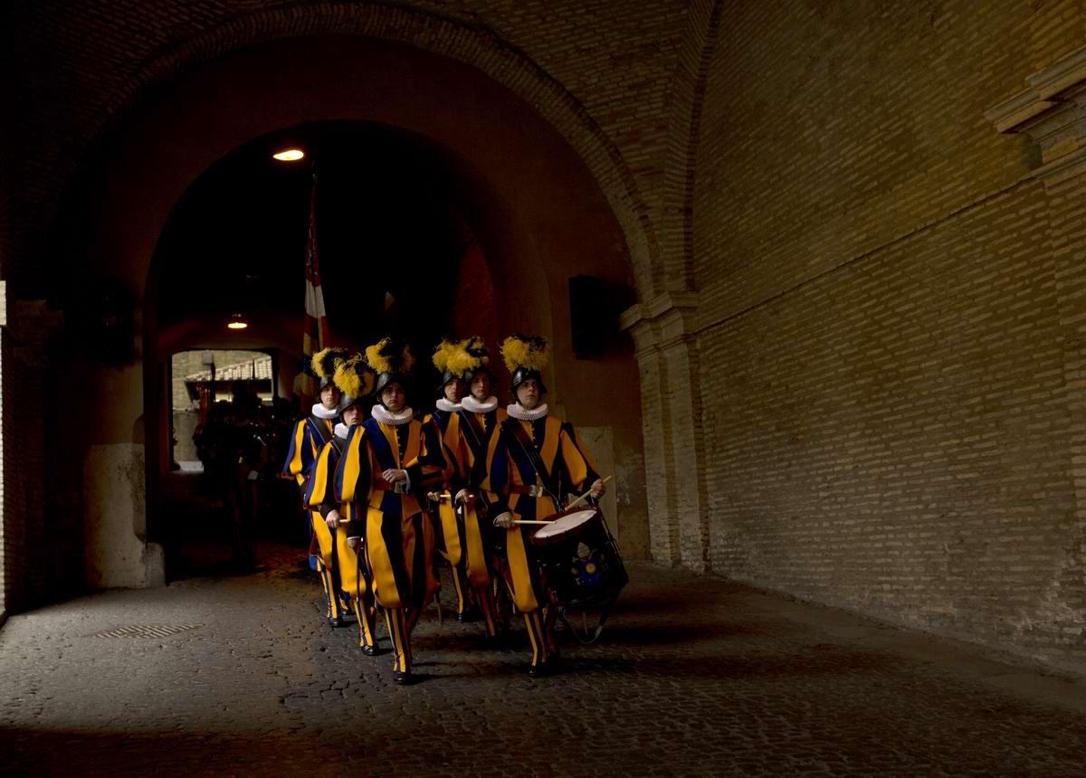 Швейцарская гвардия Ватикана: Новобранцы присягают на верность Папе Римскому (6)