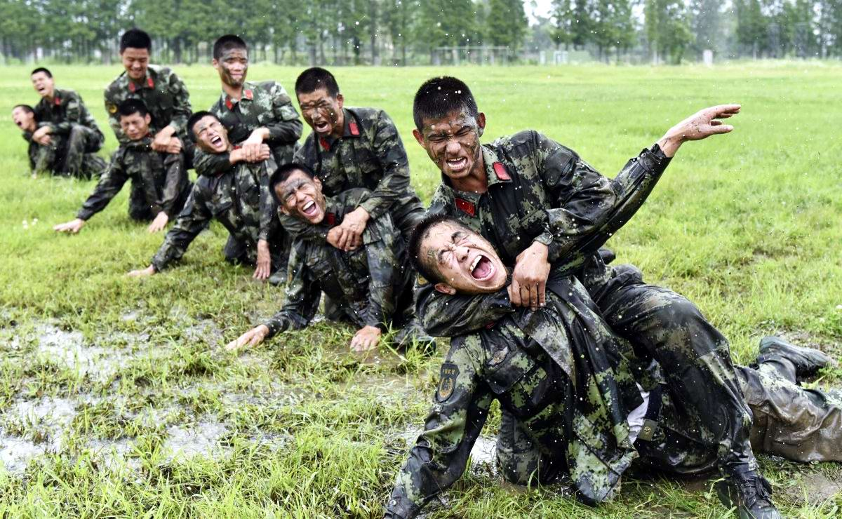 На учебном поле брани: Картинки из жизни бойцов различных спецназов (16)