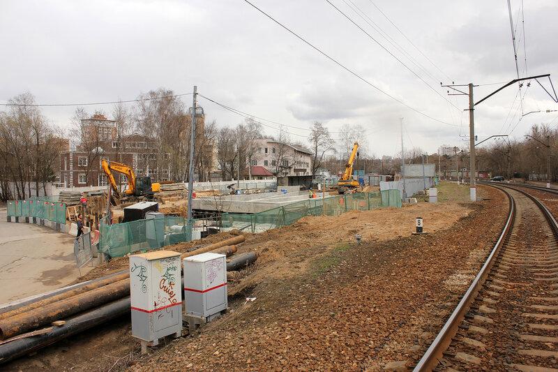 Стороительство подземного перехода под Рижкой у улицы Габричевского