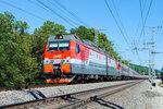 Электровоз 2ЭС4К-082 с поездом