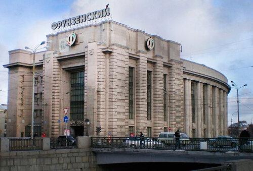 Петербуржский универмаг-памятник превратится в бизнес-центр