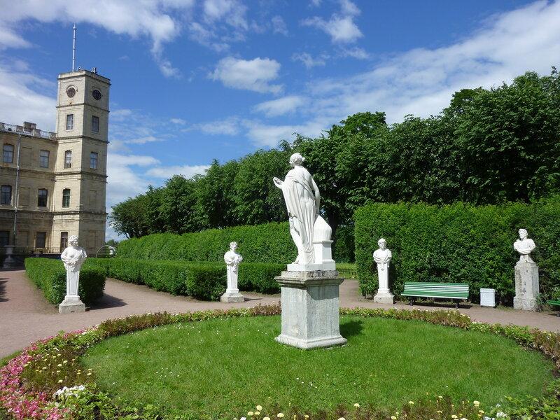 Собственный сад в Гатчине. Это он так называется:)