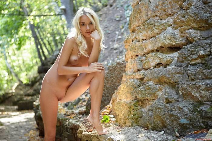 Стройная блондинка Украинка