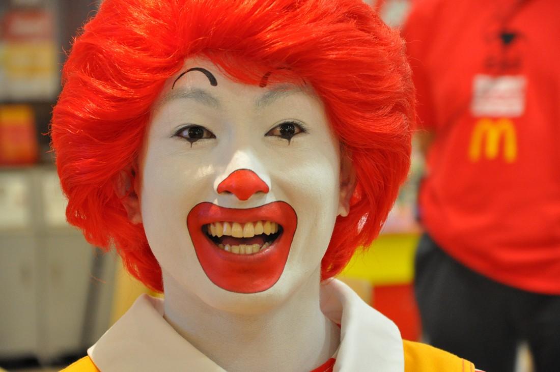 14. В Японии Рональда Макдональда называют Дональдом Макдональдом из-за отсутствия четкого звука «р»