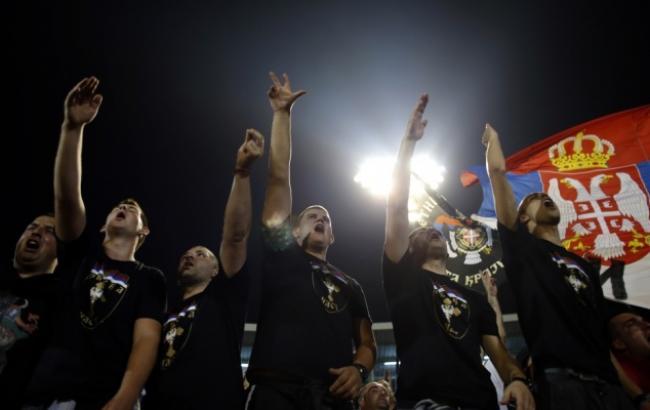 Сербским клубам может угрожать отстранение отеврокубков— УЕФА