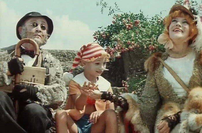 Историю про золотой ключик и Буратино знают все от мала до велика, а эта экранизация остается одной из самых любимых сказок детства.
