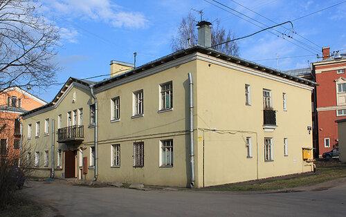 Дубровская 12