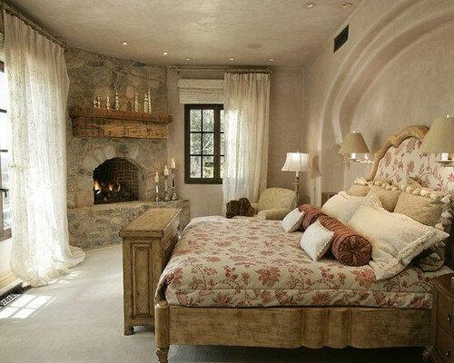 Камины в интерьере спальни
