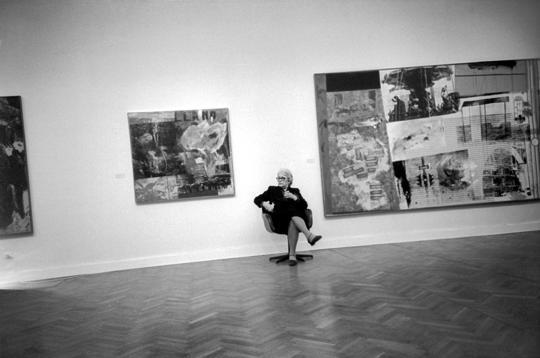 На выставке Роберта Раушенберга в выставочном зале на Крымском Валу