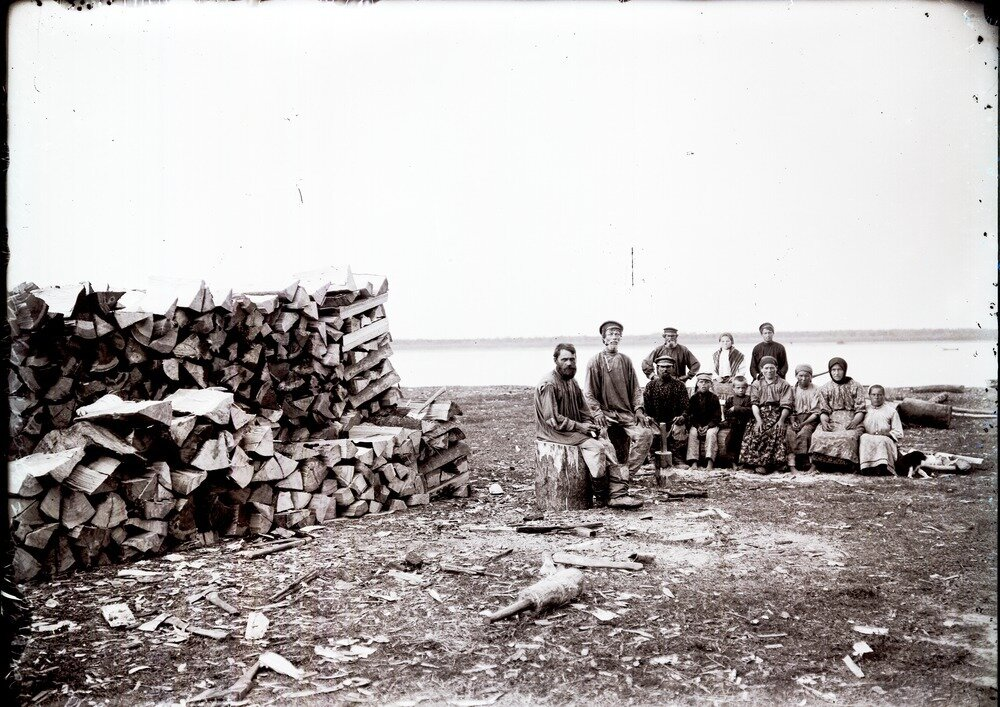 1912. Село Филатово. Юровой зимний промысел. Осмотр самоловов