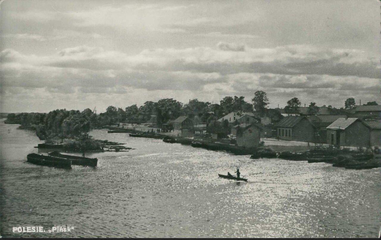 Вид с реки Пина