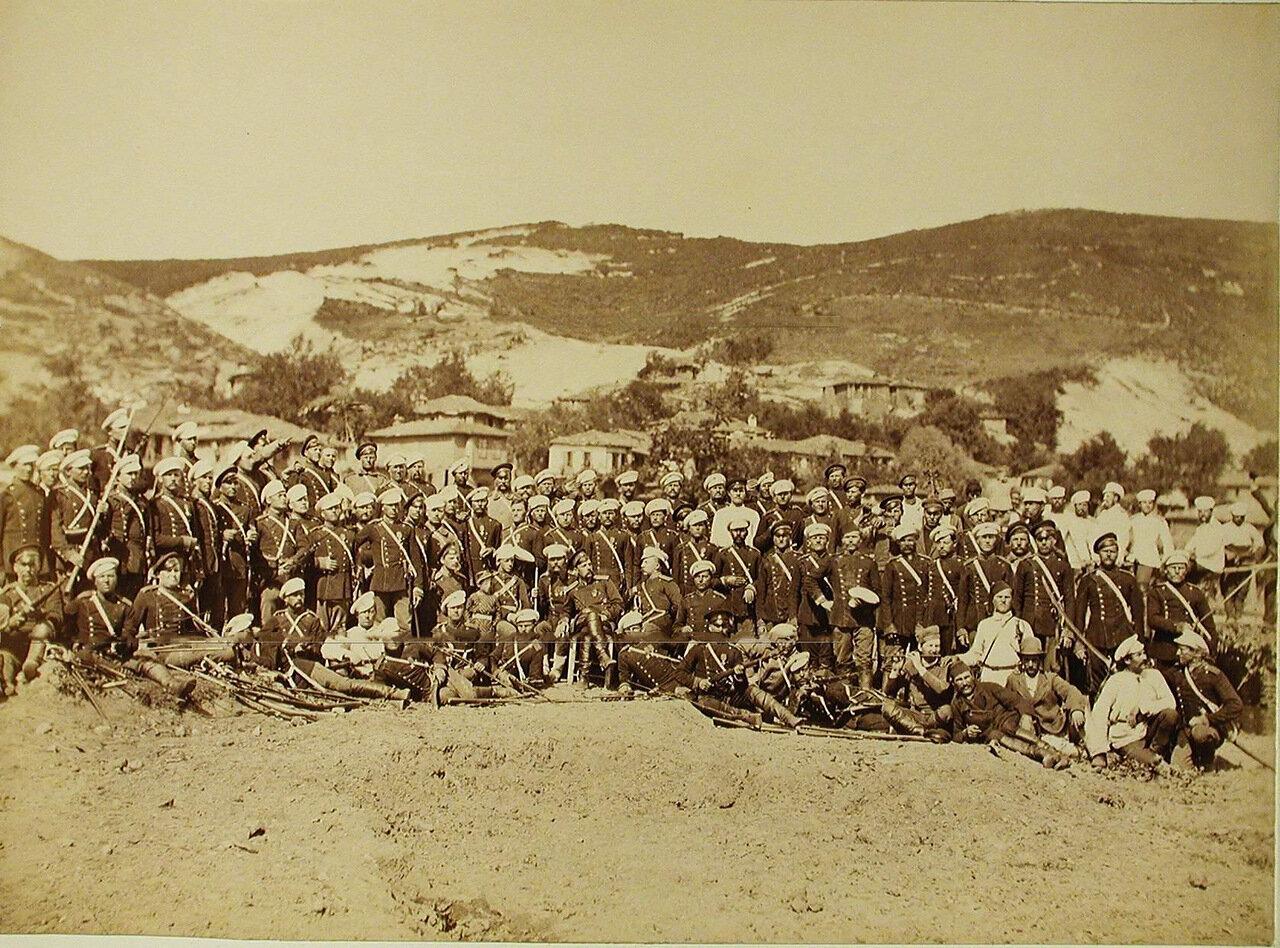 30. Группа офицеров и солдат 3-го эскадрона Лейб-гвардии Конно-Гренадёрского полка. Турция. Богоскиой