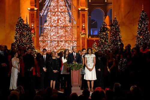 WASHINGTON, DC - DECEMBER 15: (L-R) Charles Barkley, Anna Kendrick, Hugh Jackman, Nick Carter, Marian Shields Robinson, Malia Obama, Sasha Obama, US President Barack Obama, First Lady Michelle Obama, A.J. McLean, Sheryl Crow, and Janelle Monae onstage at