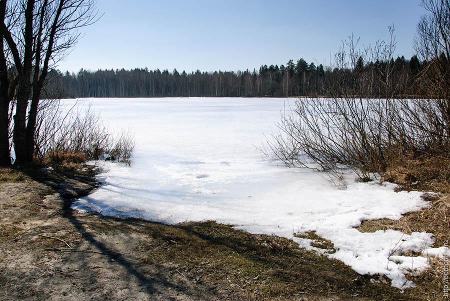 место для купания в озере