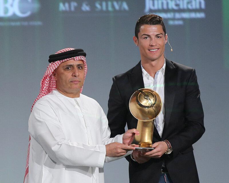 Криштиану Роналду получил награду Globe Soccer 2013 как лучший футболист года