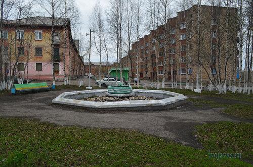Фото города Инта №6856  Полярная 12 и 10 03.06.2014_16:53