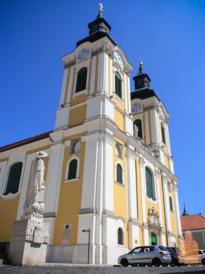Собор святого Иштвана есть не только в Будапеште, но и в Секешфехерваре
