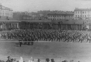 Группа артиллеристов - участников соревнований по гимнастике.