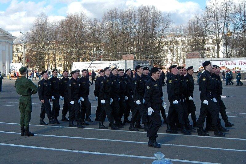 Репетиция парада Победы - федеральная служба исполнения наказаний, Киров, Театральная площадь