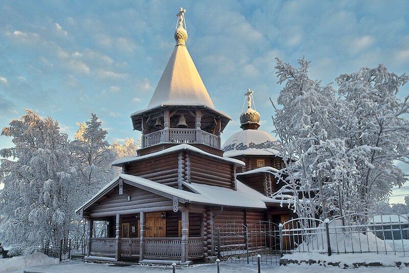 Православный храм (Оленегорск)