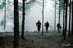 1940-01-01 Солдаты etenevt дымовой занавес жилья. Примечание: Слайд отмечает на представление. Место: Представление о