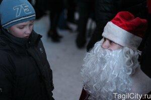праздник,город,Нижний Тагил,Новый год,елка,театральная площадь,Носов