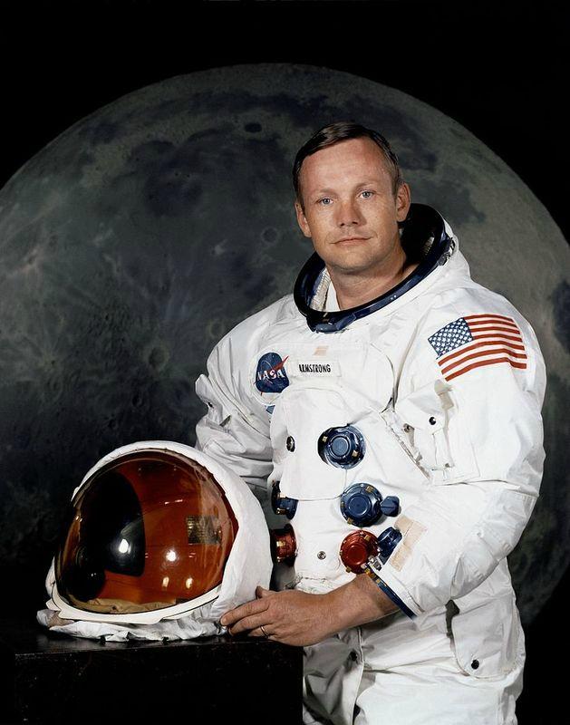 Сделал пять Selfie на Луне