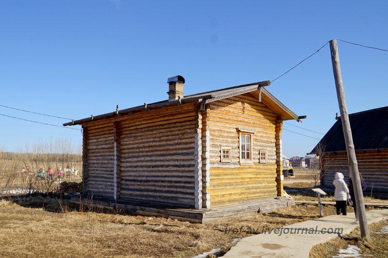 Традиционная изба северно-среднерусского плана, Этномир, Калужская обл.