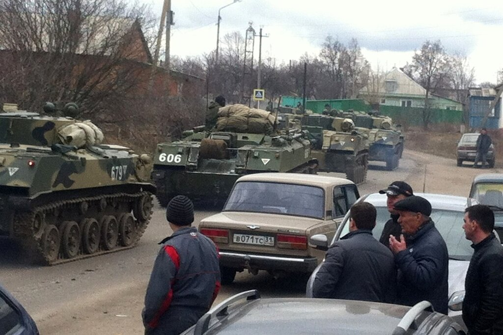 After Annexing Crimea, Russian Troops Are Piling Up By The East Ukraine Border 0 caf5b 53f2d8e0 XXL