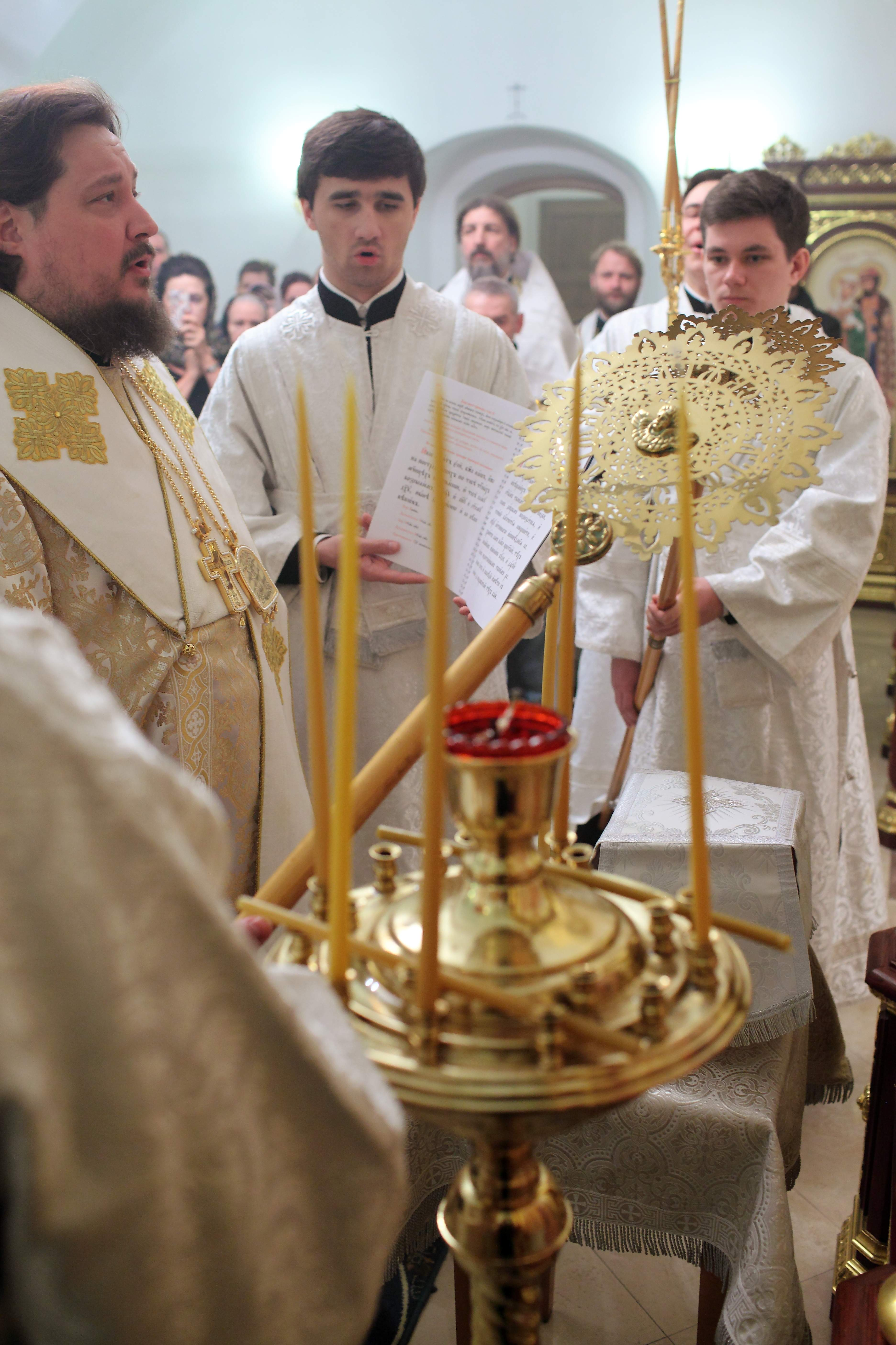Освящение придела нижнего храма в честь свт.Николая Мирликийского Чудотворца. 2014