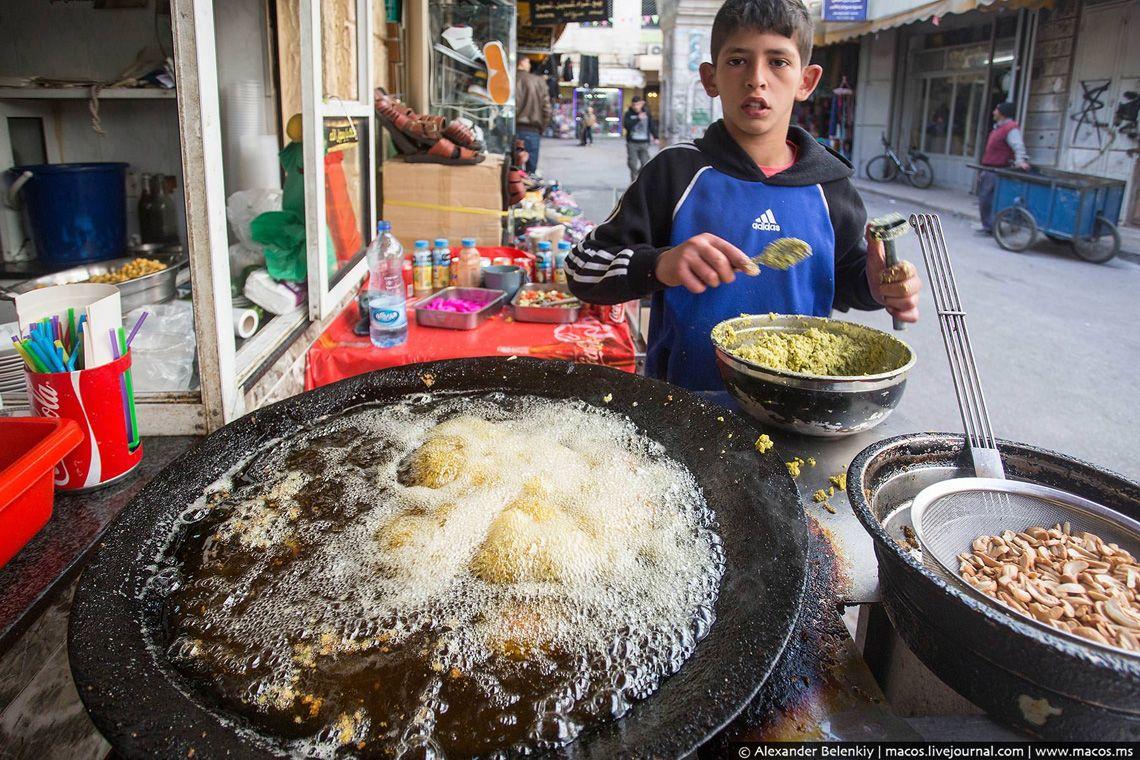 1 На Ближнем Востоке в ресторанах и вовсе нет никакого смысла. Если ты едешь туда путешествовать и п