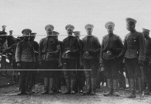 Группа офицеров бригады.