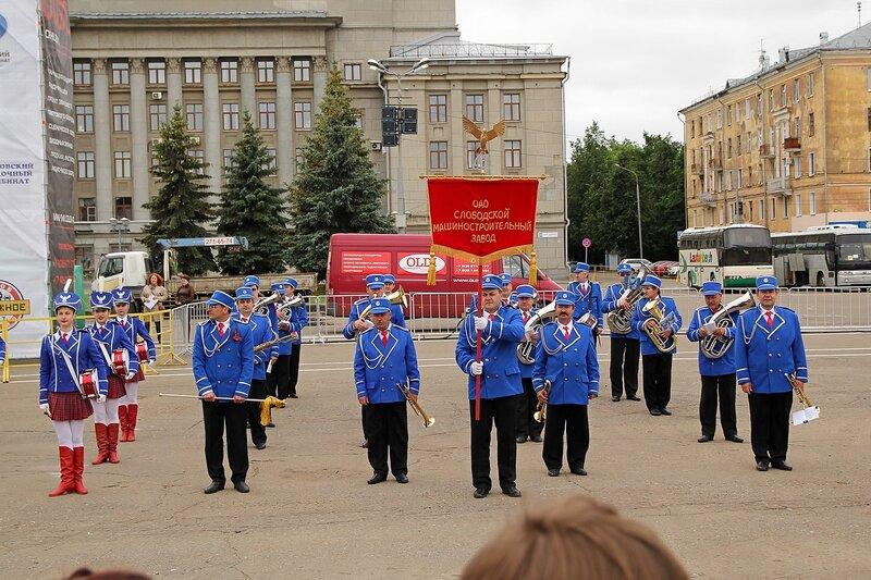 духовой оркестр Слободского машиностроительного завода под управлением Александра Зеленеева