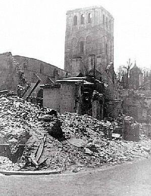 Церковь Нигулисте после бомбёжки 9 марта 1944 года.