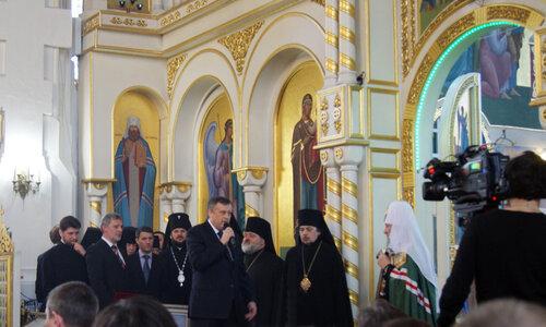 Губернатор Л.О. Александр Дрозденко и Патриарх Кирилл в Покровском соборе