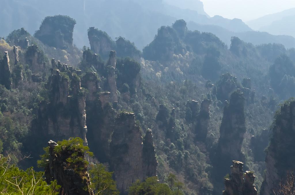 Фото 17. Первое место, где мы поймали Дзен - в 50-ти метрах от другой известнейшей достопримечательности Emperor's Brush Pen Peak в национальном парке Zhangjiajie National Forest Park. Путешествие по Китаю самостоятельно.