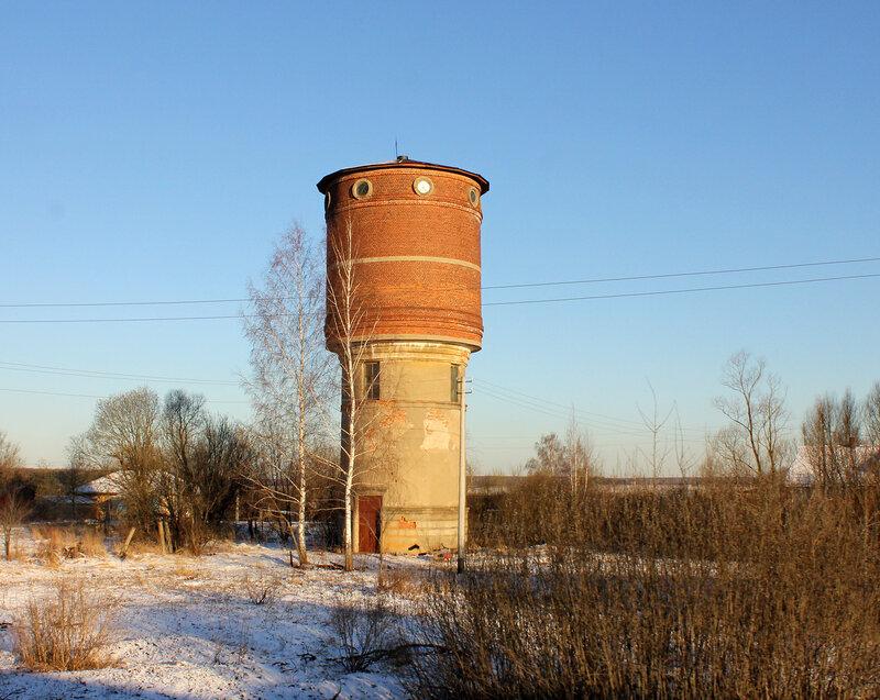 Водонапорная башня у Сотниково