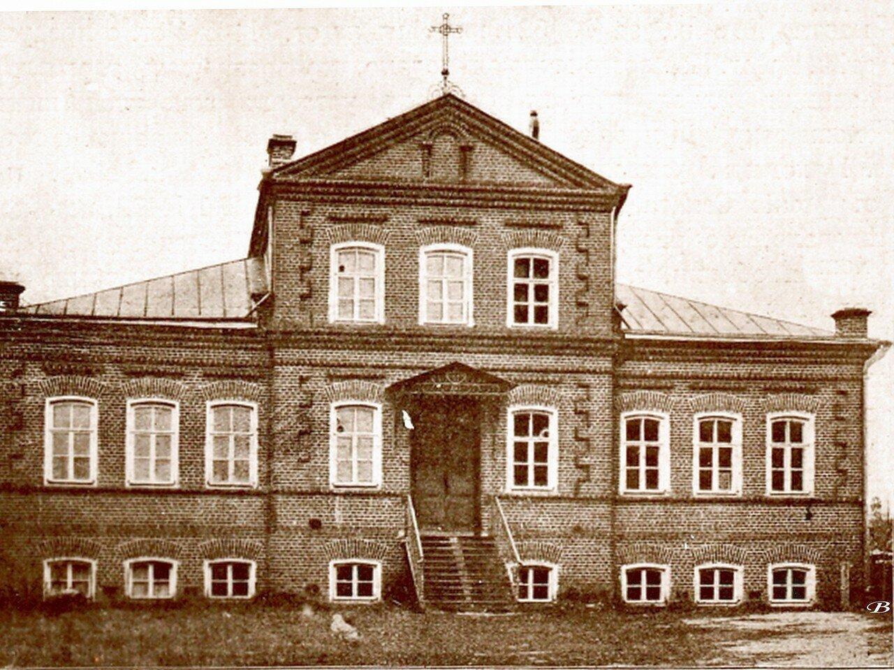 Церковно-приходская школа, как она была построена Н.М. Бардыгиным
