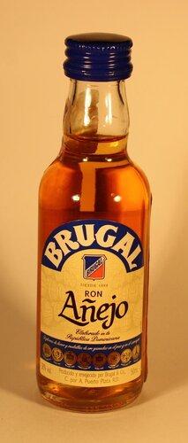 ??? Brugal ron Anejo