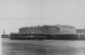 Личный  состав полка в парадной форме выстроен на Марсовом поле перед началом парада.