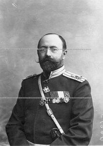 Полковник, командир Атаманского полка С.В.Евреинов (в форме Лейб-гвардии Сводно-Казачьего полка).