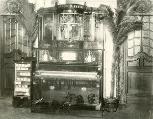 Пианола в зале ресторана В.М.Федорова.