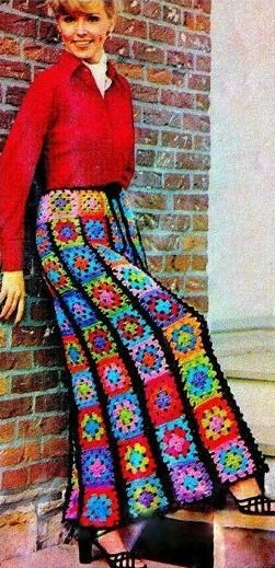 Одежда из вязаных квадратных мотивов
