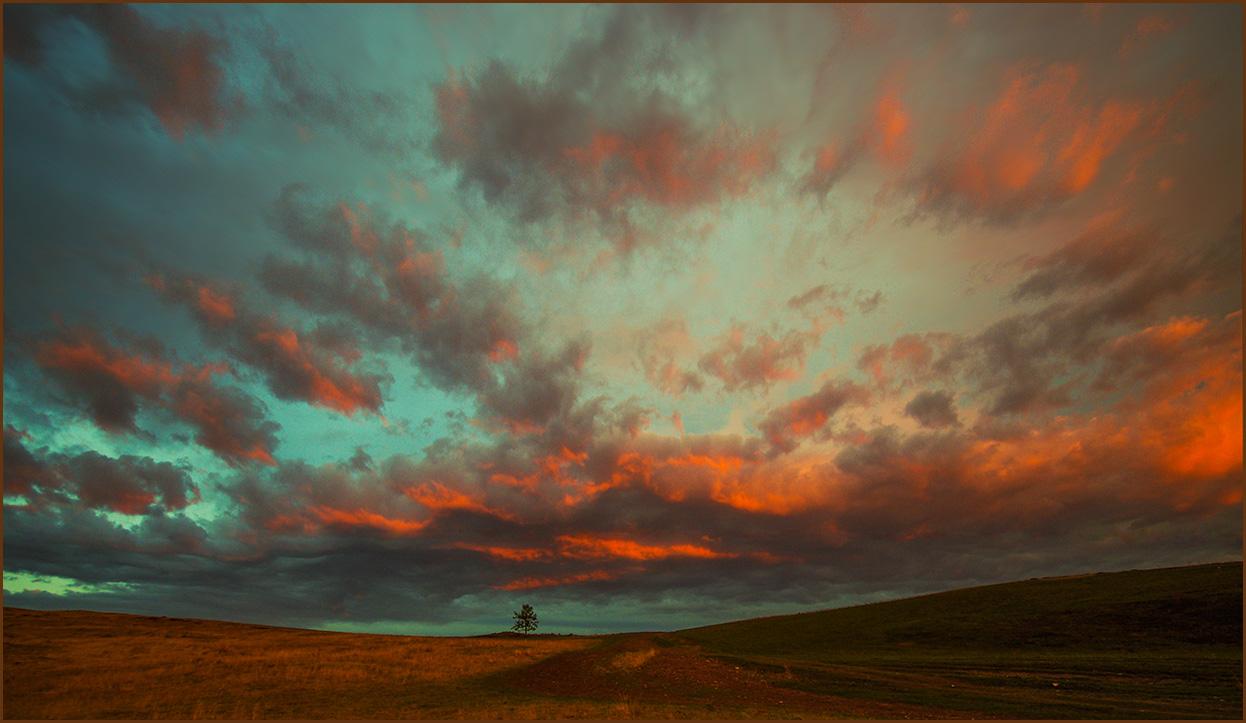 Разноцветное небо Хакасии