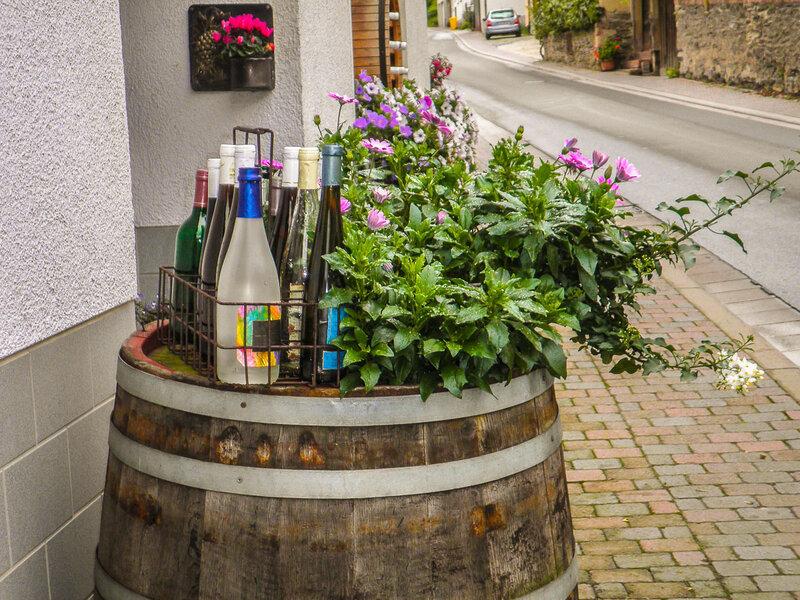 Здесь продается вино