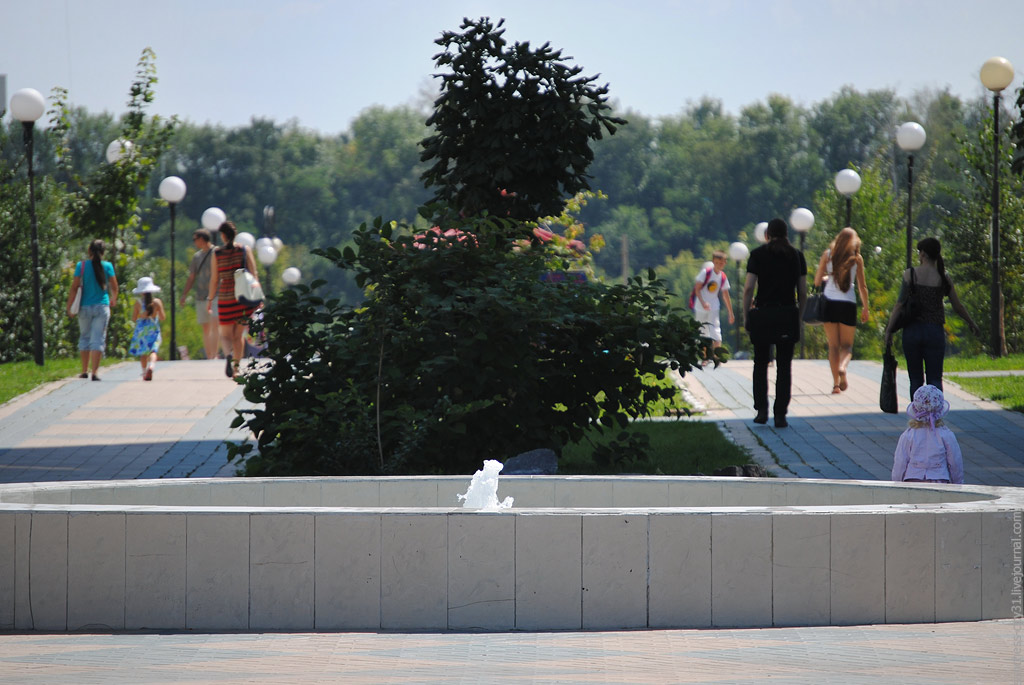 """фонтан """"Комсомольский"""", Белгород, фото Sanchess"""