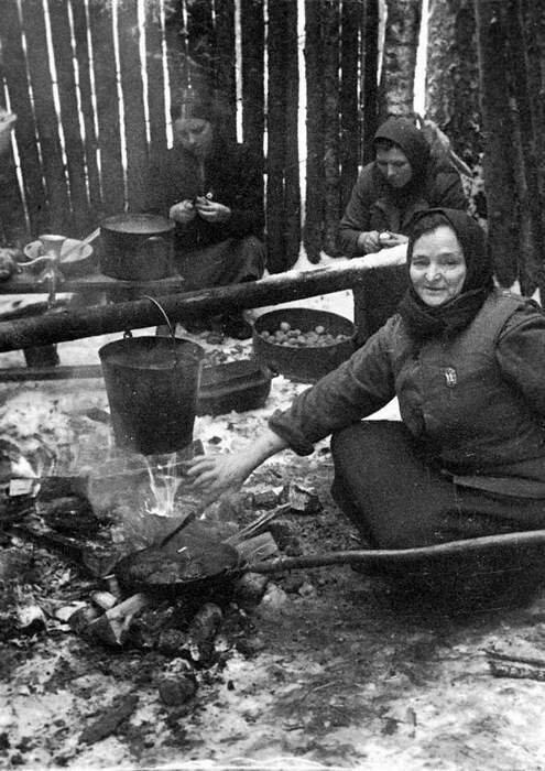 25-Женщины – партизанки.jpg